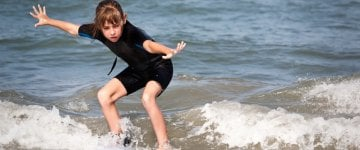 Kids shortie wetsuits to let your kid surf comfortably